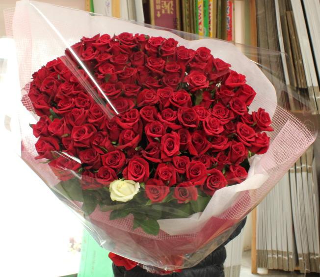 プロポーズのバラ101本の花束