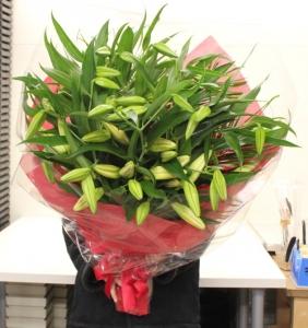 ユリの女王カサブランカの花束