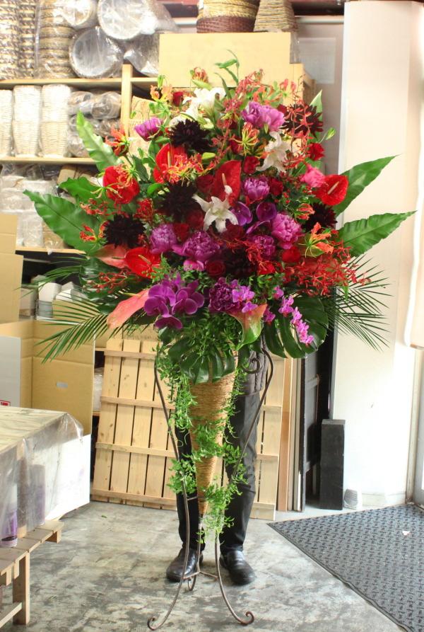 中央区へお届けのスタンド花