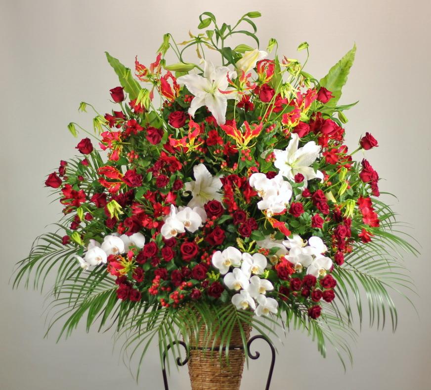中央区島之内に配達のスタンド花。赤いバラメインバージョンです。