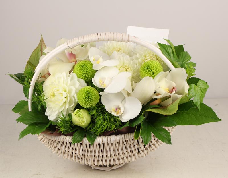 blanc fin 白とグリーンのアレンジメント